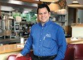 Elmer's Diner Celebra 14 Años Agradecidos Con Sus Clientes Por Su Continuo Apoyo