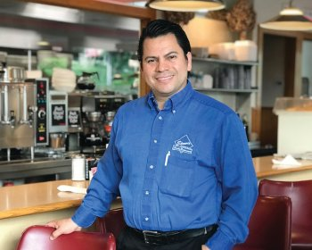 Elmer's Diner Celebrates 14 Years Thanking Patrons for Continuous Support